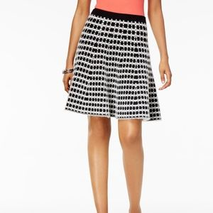 Med OLIVIA & GRACE Fit and Flare SKIRT